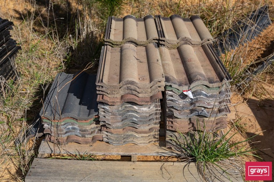 180x Assorted Concrete Roof Tiles