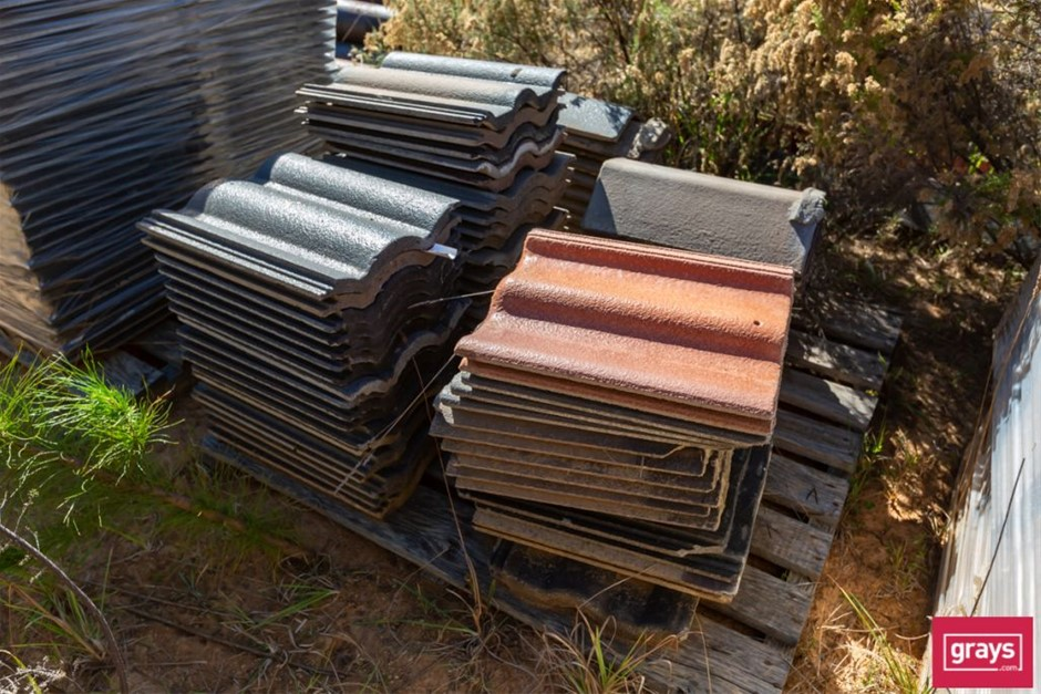 70x Assorted Concrete Roof Tiles & Capping