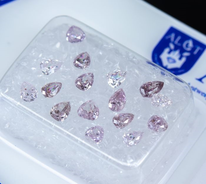 One - sealed ALGT Pink Diamond, 1.25ct in Total