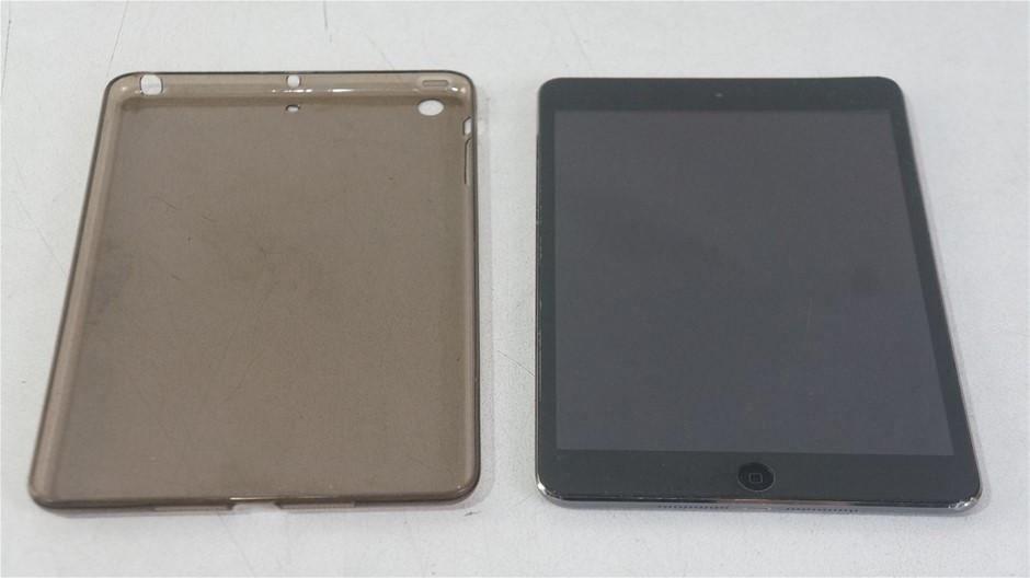 Apple iPad Mini 2 Wi-Fi 16GB Space Gray Tablet