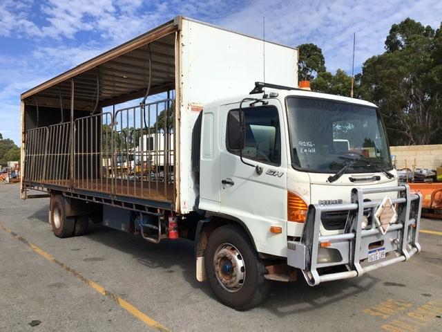 2007 Hino GH 4 x 2 Curtainsider Rigid Truck