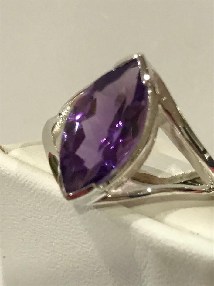 Beautiful Amethyst Genuine 3.00ct Ring. Size N (6.75)