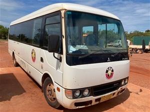 2014 Mitsubishi Rosa Bus