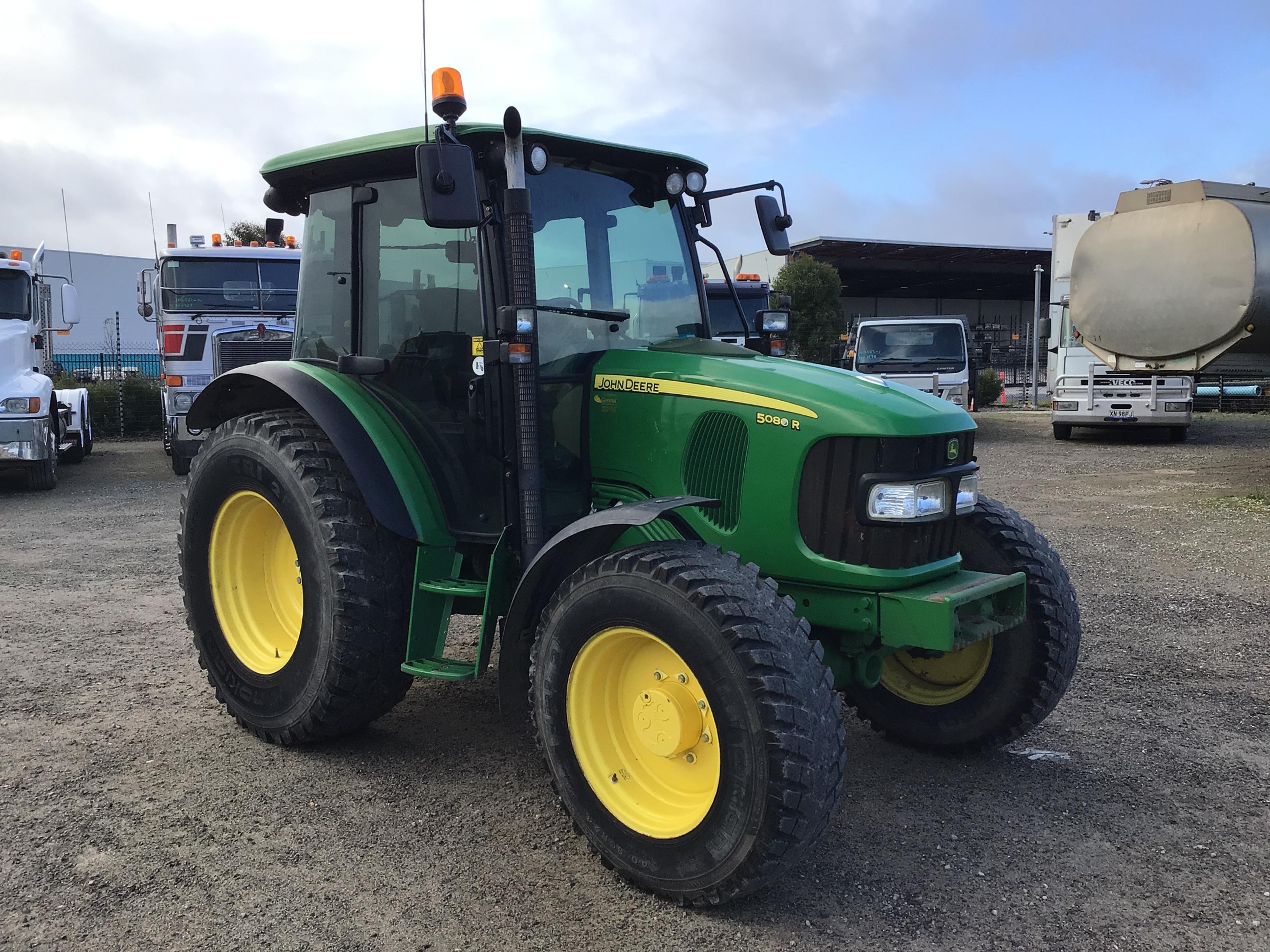 2013 John Deere 5080R Tractor