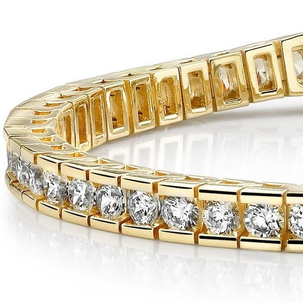 """18ct Yellow Gold Plated 7.5"""" Tennis Bracelet Feat. Crystals by Swarovski®"""
