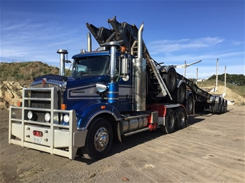 2013 Kenworth T409 6x4 Prime Mover Truck