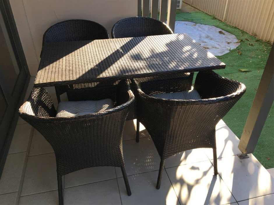 Wicker/Rattan Outdoor Dining Setting Featuring Table with Undershelf