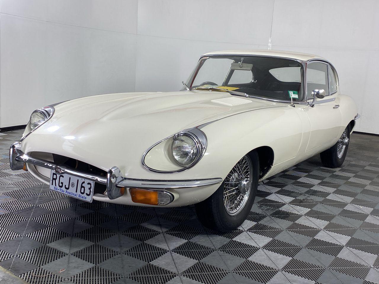 Jaguar E type Manual Coupe