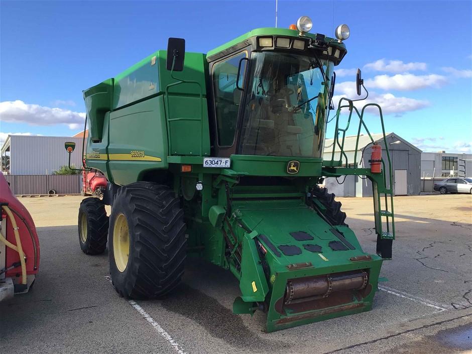 John Deere 9650 & 936D Harvester Front