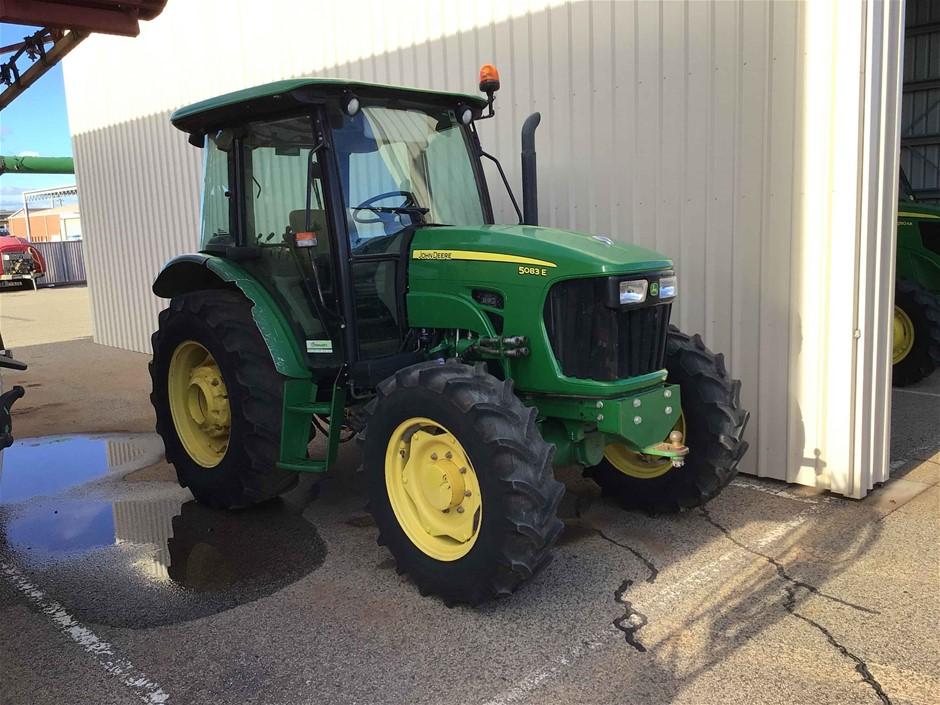 2014 John Deere 5083E Tractor