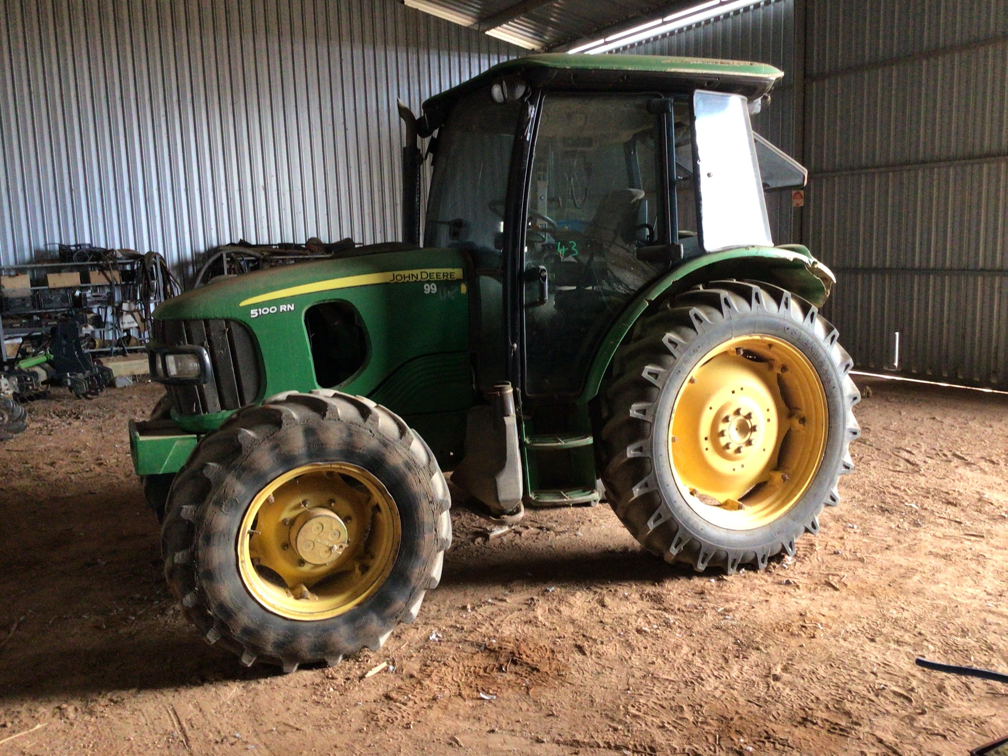 John Deere 5100RN Tractor