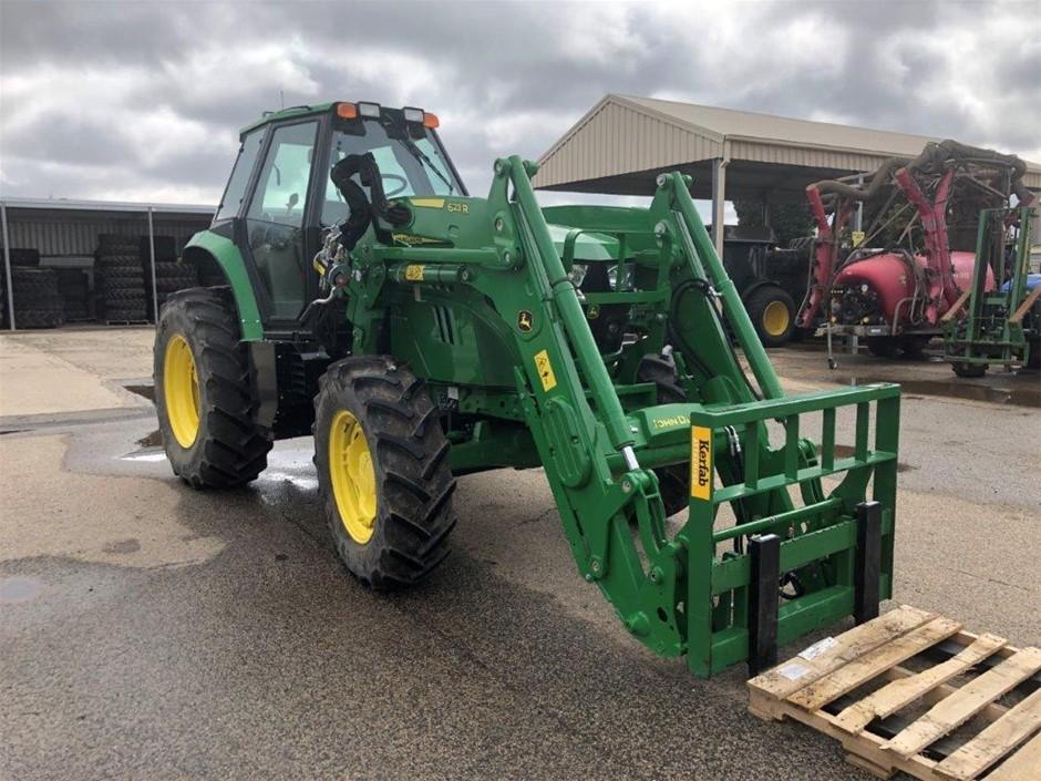John Deere 6110 with 62SR Tractor