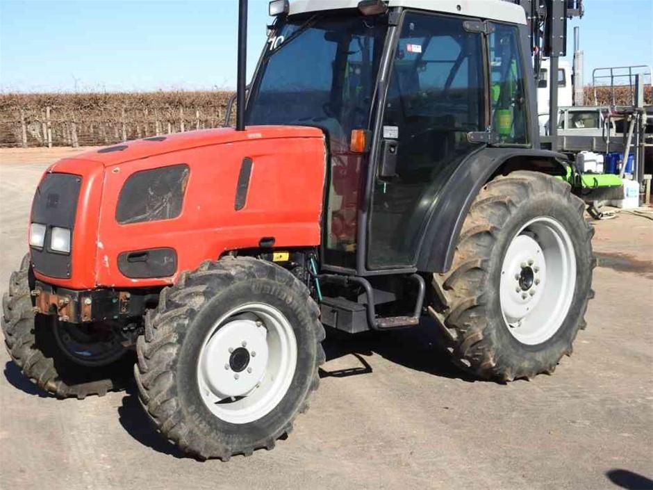 2002 Massey Ferguson 2225 Tractor