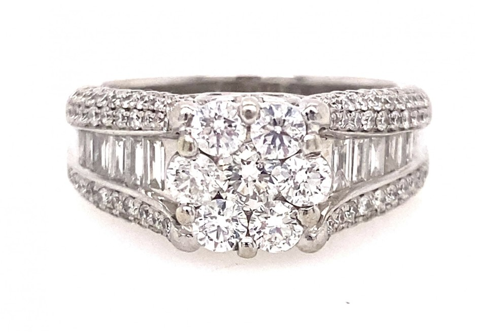 18ct white gold 2.13 cts diamond cluster ring