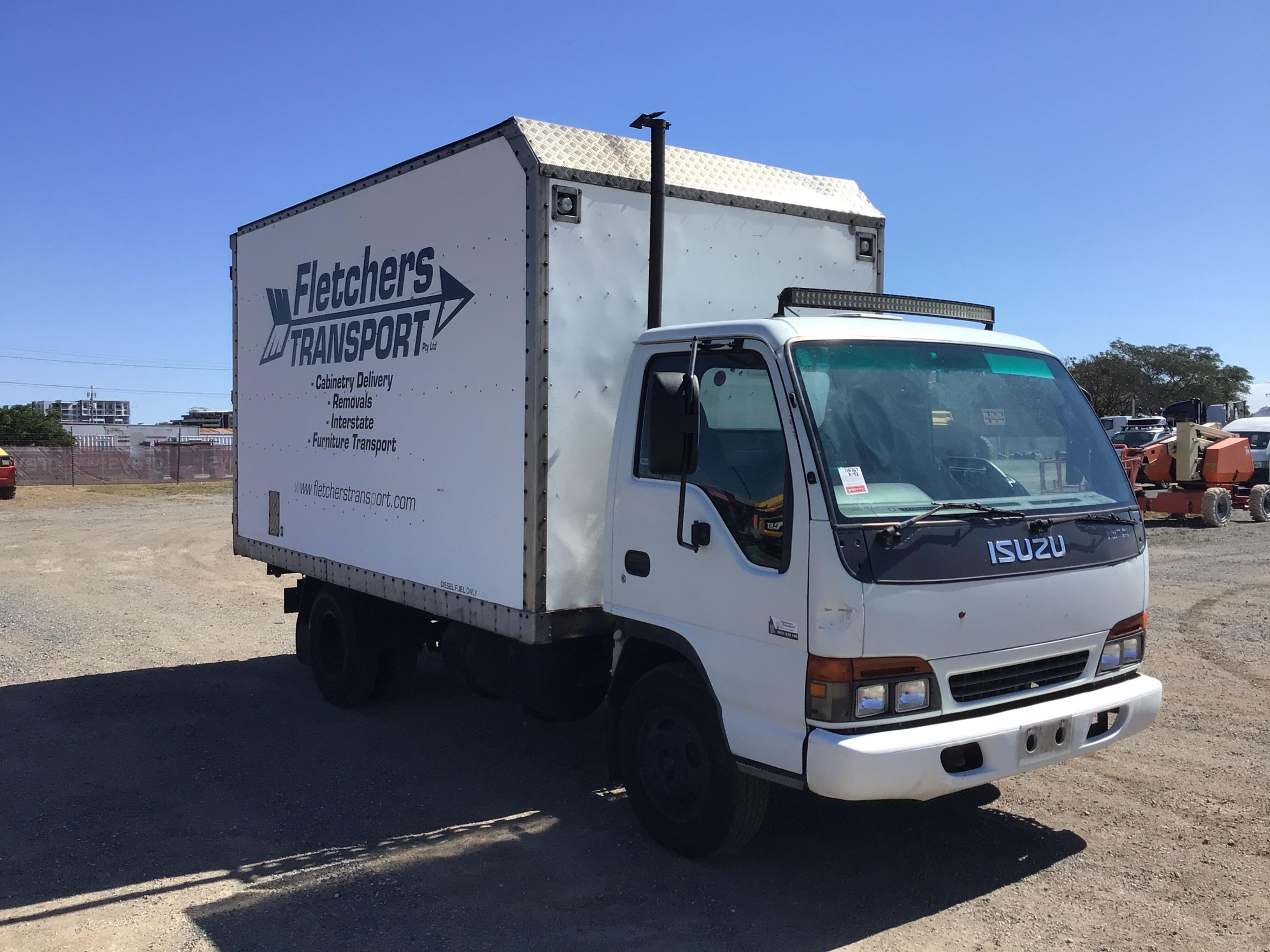 1999 Isuzu NPR 4 x 2 Pantech Truck