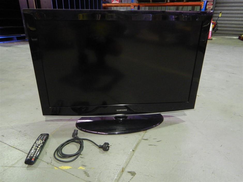 """Samsung LA40A450C1D Widescreen LCD TV 40"""""""