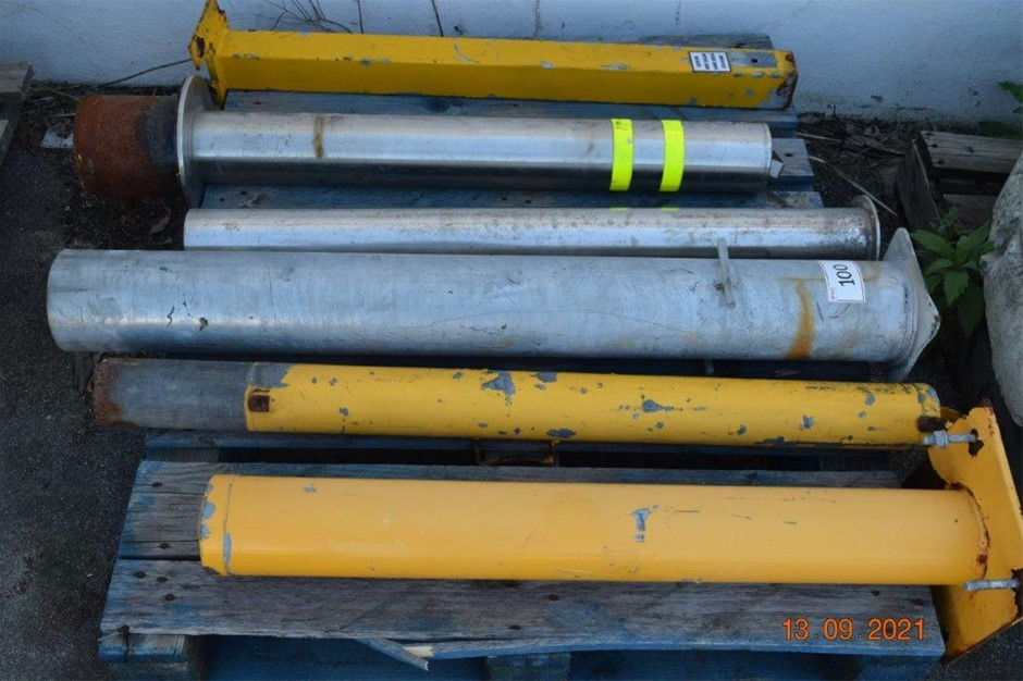 Lot of 6 Assorted Style Bollards