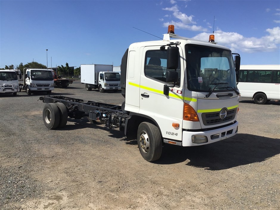 2010 Hino FD1SER2 4 x 2 Cab Chassis Truck