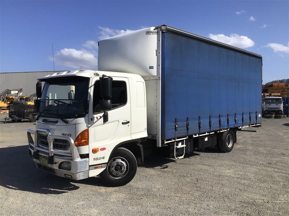 2010 Hino FD 500 4 x 2 Curtainsider Rigid Truck