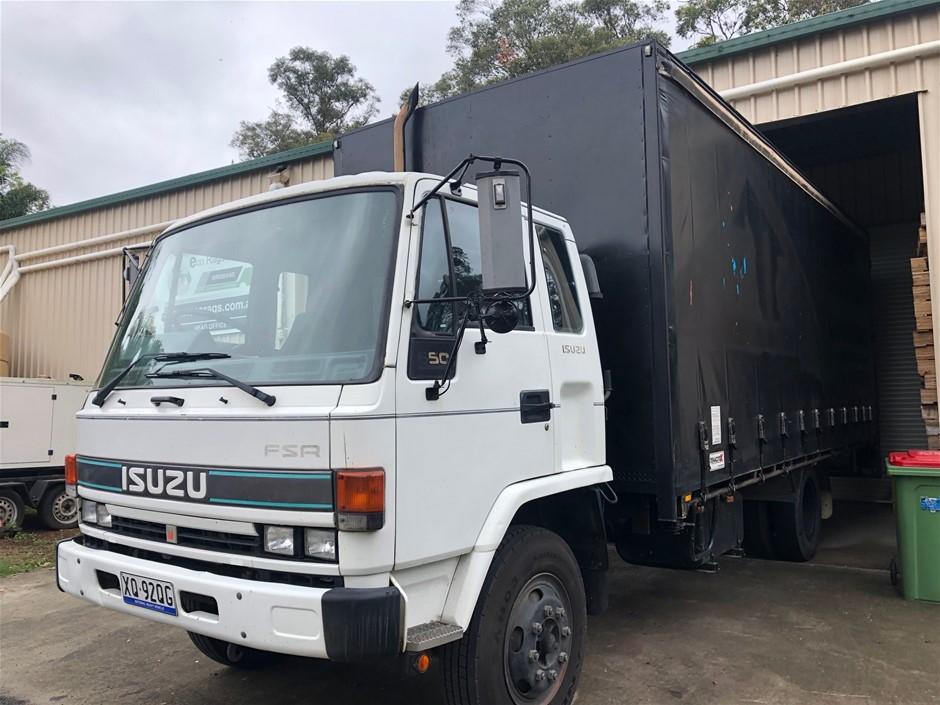 Isuzu FSR 650 Curtainsider 4 x 2 Pantech Truck