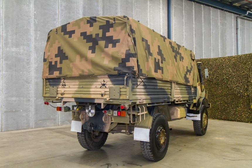 Mercedes Benz Unimog UL1700L Flat Top 4X4 Cargo truck 8 ...
