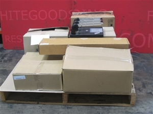 Pallet Lot Consisting Of : 1X NAD C320BEE Stereo Integrated Amplifier, Grey