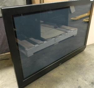 Telefunken 106cm (42`) HD Plasma Television with Stand, M/N TEL2842, 240v P