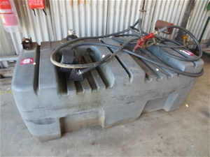 Silvan PVC 800L diesel tank with gauge, hose and nozzle