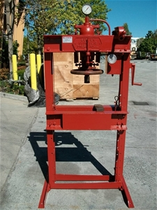 Servex 30 ton hydraulic press auction 0008 7006735 for 7 terrace place murarrie