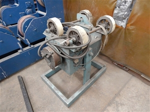 Pipe Manipulator, Methods, features 4 x rubber wheel 260mm(d) approx 390mm