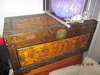 Entire Contents Of Overdue Storage Including Large Solid Wooden Desk Dis Auction 0003